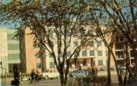 Вид с площади им. В.И. Ленина на Горисполком.
