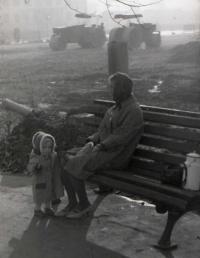Площадь Ленина благоустраивается.
