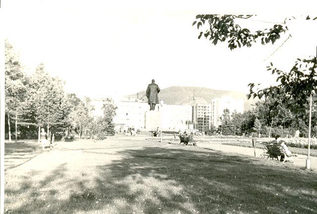 Сквер за памятником В.И. Ленина г. Южно-Сахалинск