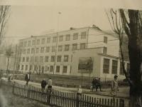 Здание мореходного училища в г. Невельске