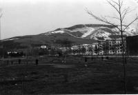 Вид на Коммунистический проспект со спортивного городка Юность.