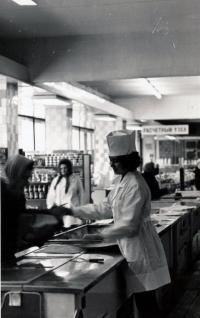 Внутри магазина Океан в г. Южно-Сахалинск