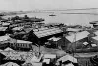 Отомари (Корсаков: вид на нынешние ул. Вокзальную, ул. Береговую и Средний ковш морского порта с сопки над школой №1)