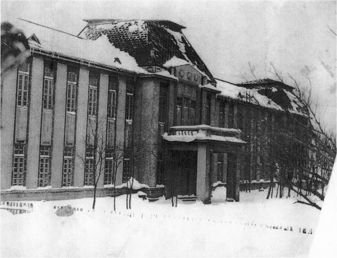 Средняя школа №1. Центральный вход