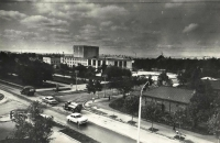 Театр им. А.П.Чехова. Снимок сделан из Дома Союзов.