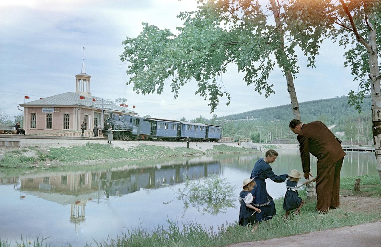 Озеро Верхнее. Вид на станцию Комсомольская
