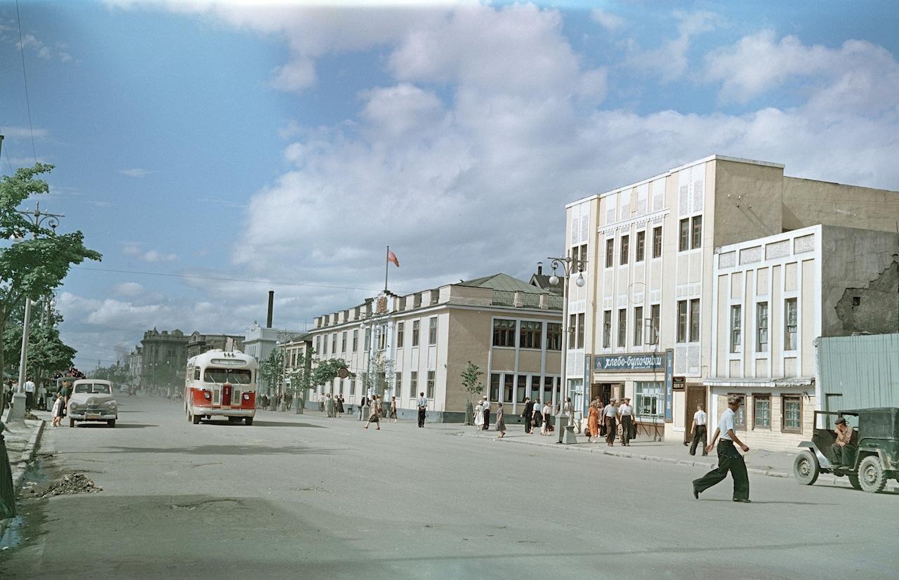 Улица Ленина. Горисполком.