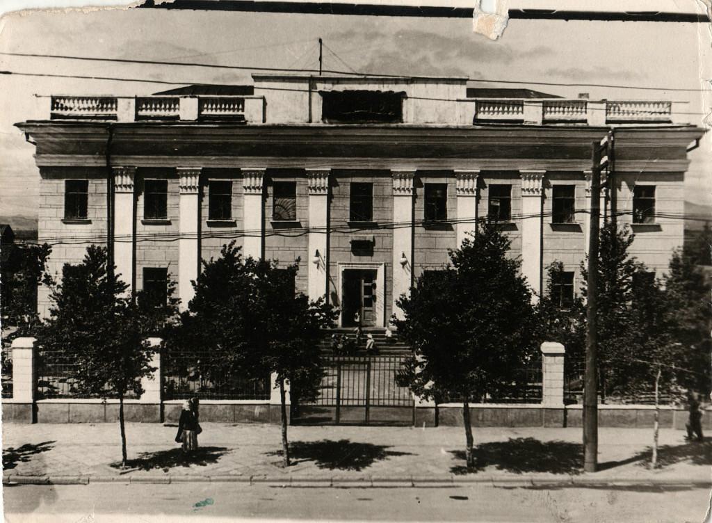 На проспекте Ленина. Фото сделано с дома №279