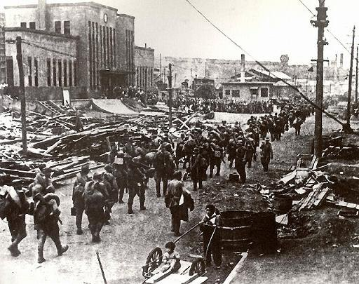 Советские войска вошли в г.Маока (Холмск). Август 1945 года.