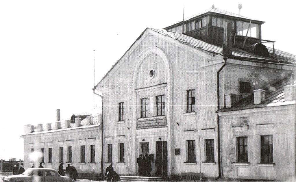 Здание аэропорта в Большой Елани.