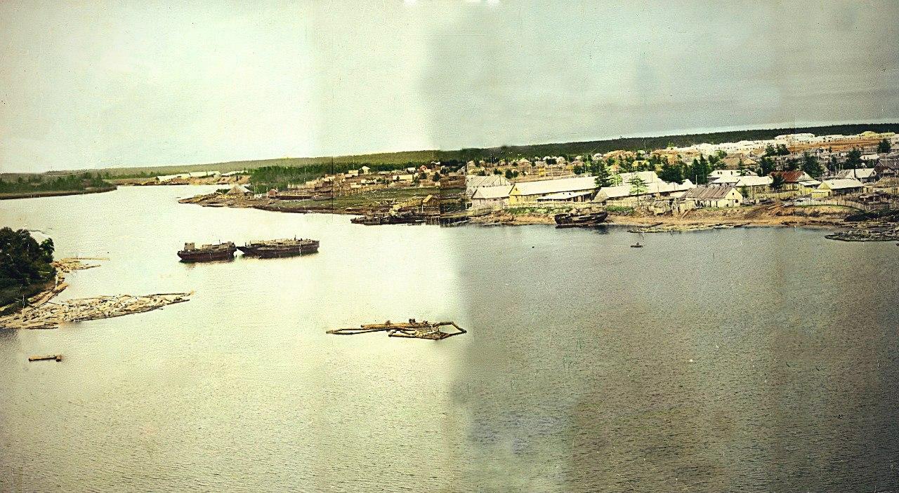 Панорама 1 из 5. г. Ноглики. Снято с японского плавкрана.