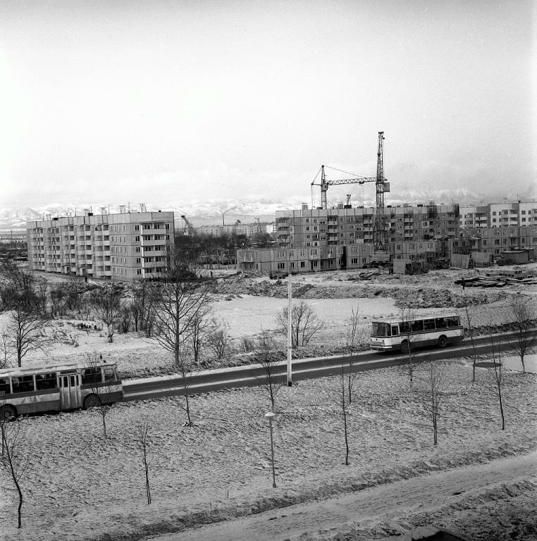 Строительство 11 микрорайона. Вид с проспекта Мира.