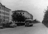 Улица Ленина. Слева здание педагогического института.