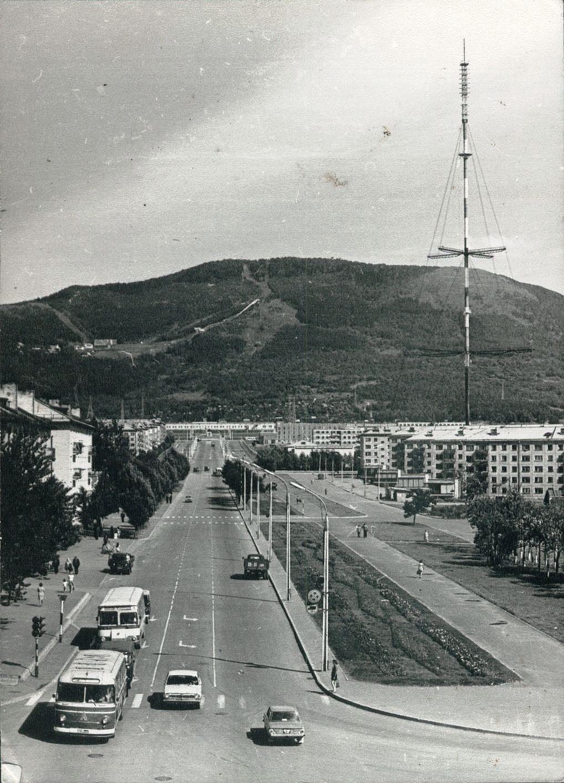 Проспект Победы, снимок сделан от проспекта Мира.
