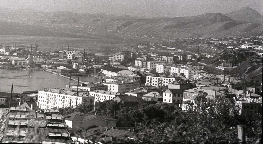Холмск - город на холмах.