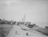 Порт в городе Сикука.
