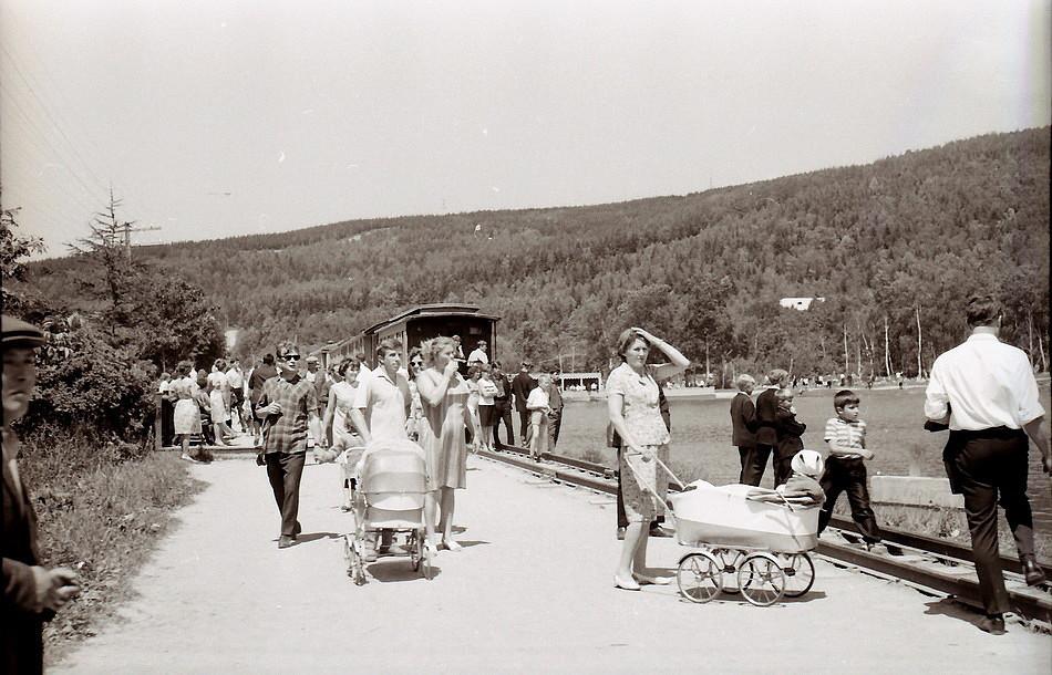 Детская железная дорога в городском парке КиО.