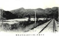 Железная дорога по берегу водохранилища Тай