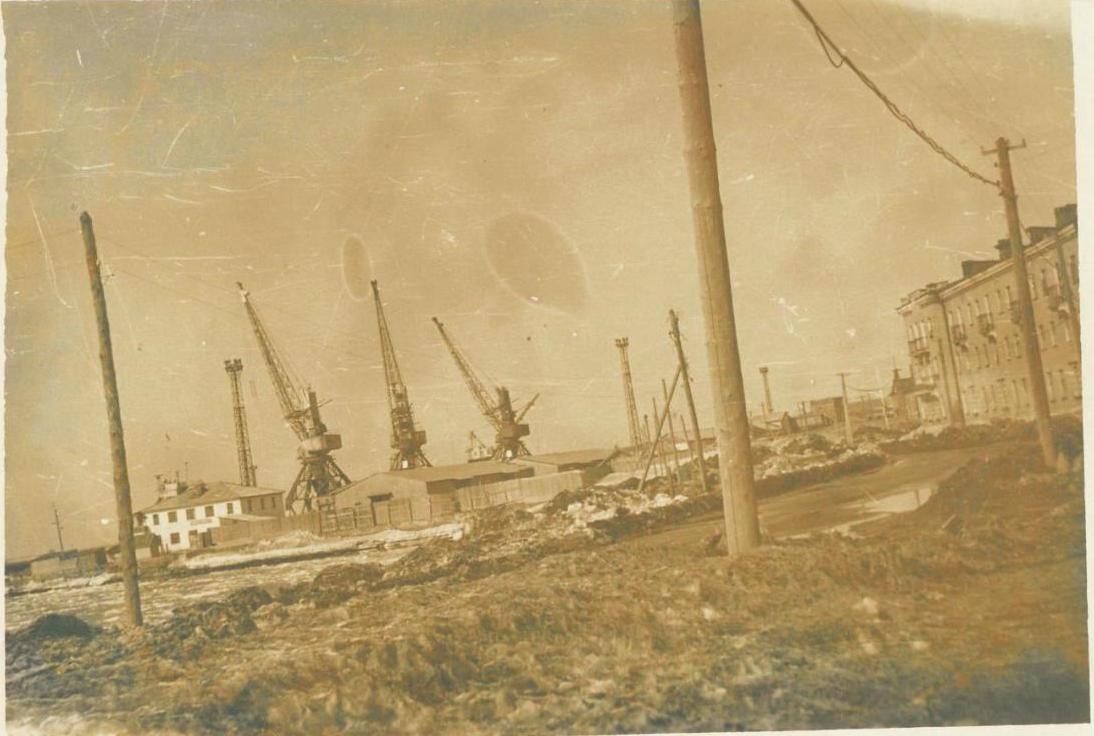 Вид на Углегорский морской торговый порт
