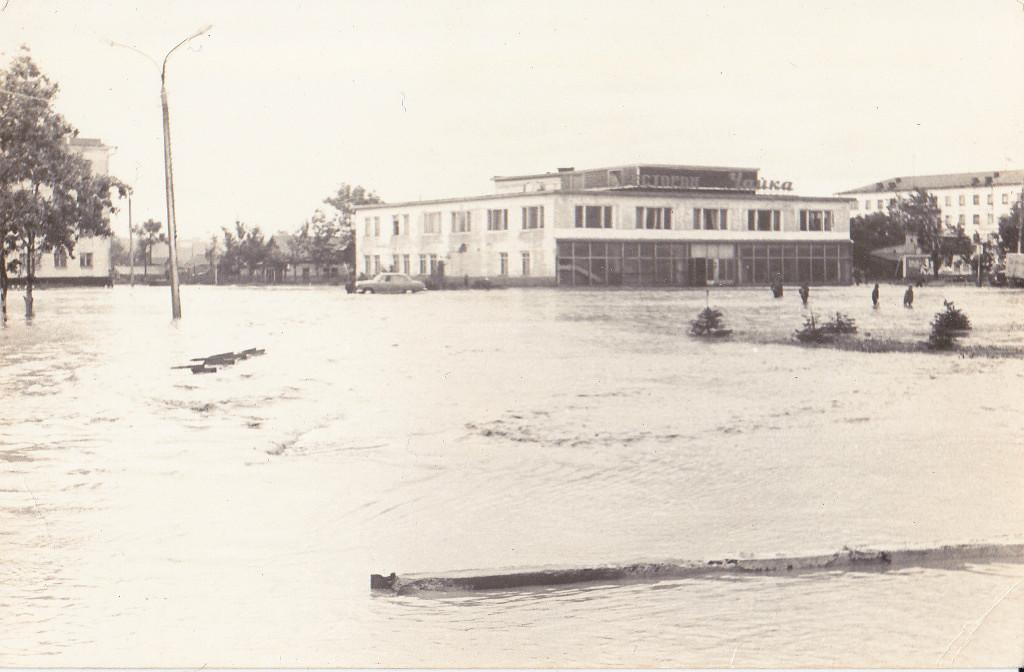 Последствия тайфуна 'Филлис', ресторан 'Чайка'. Август.