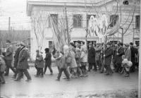 Демонстрация на главной улице города Углегорск.