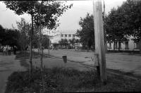 Вид на универмаг г. Углегорска. Июль.