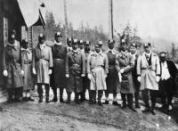 Персонал шахты Каваками треста «Мицуи». Каваками (ныне с. Синегорск)