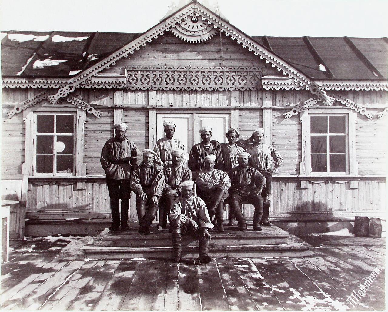 Экипаж паровых морских катеров Барон Корф и Генерал Гинце