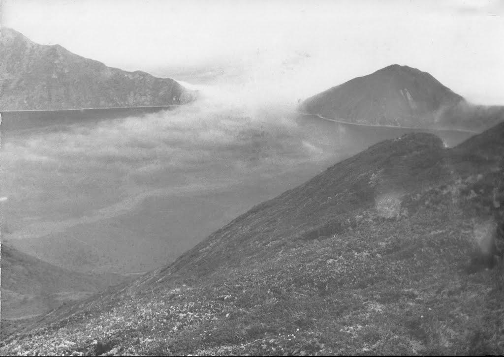 Вход в бухту Броутона на острове Симушир.