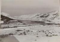 Вид на порт Кратерный и бухту Броутона на острове Симушир.