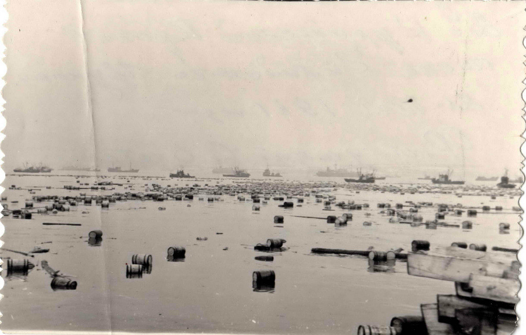 После цунами в Северо-Курильске.