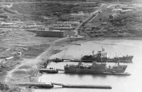 Порт п. Кратерный в бухте Броутона на острове Симушир.