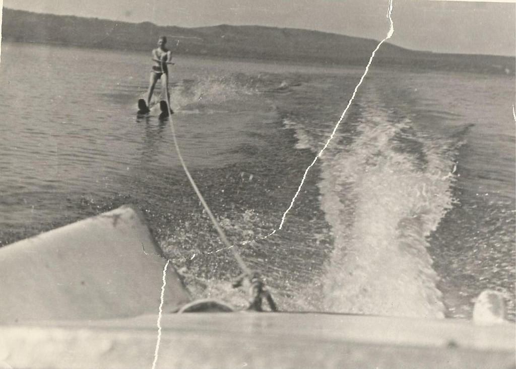 Водные лыжи на озере Тунайча