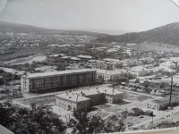 Вид на город Горнозаводск. В центре буквой П больница. Сентябрь.