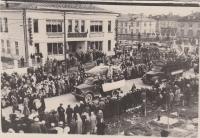Праздничная демонстрация на ул. Дзержинского г. Александровск-Сахалинский