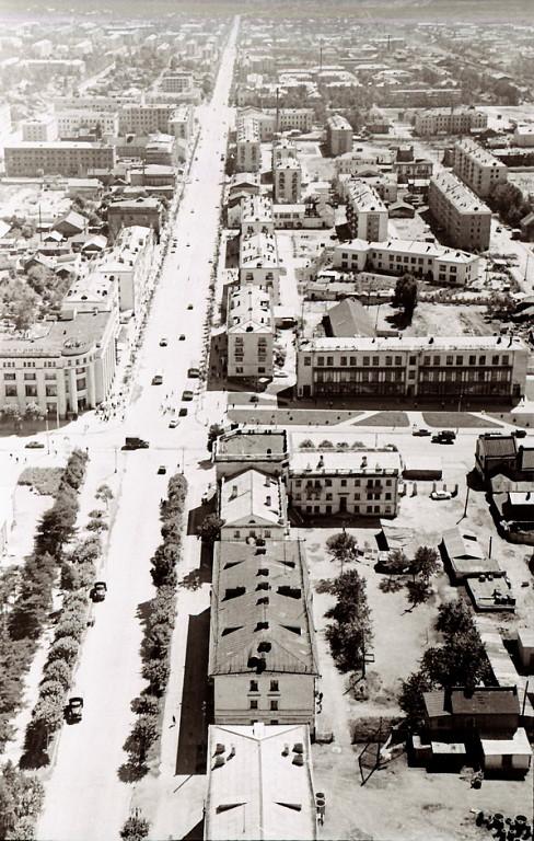 Панорама центрального района г. Южно-Сахалинска. Серия фотографий. Улица Ленина.