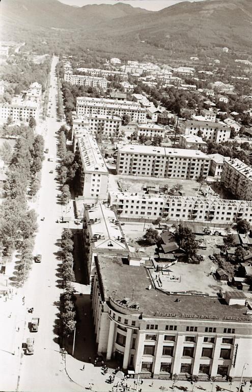 реально старые фотографии южно сахалинска улица главная улица