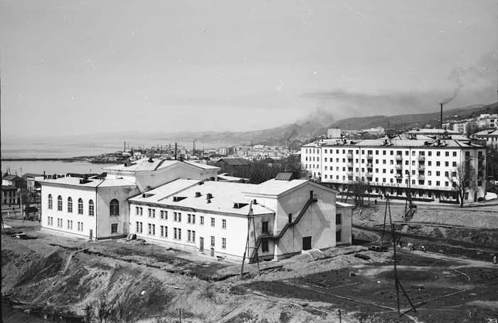 Вид на Дом культуры моряков г. Холмск