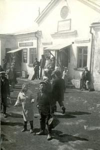 Железнодорожный вокзал г. Макаров