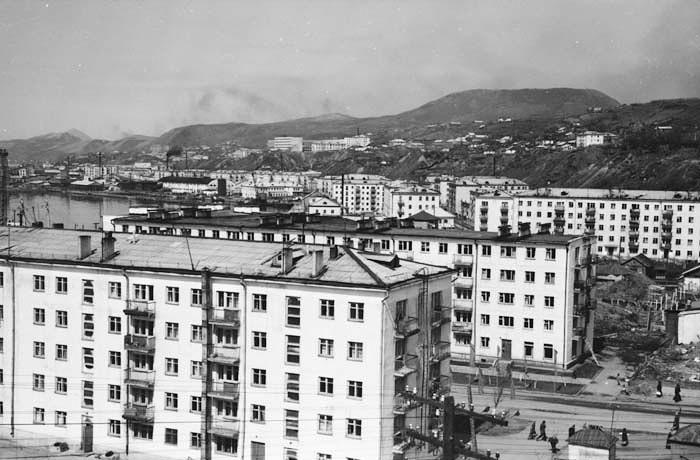 Жилые дома №6 и 5 по улице Морской г. Холмск