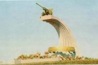 Памятник советским воинам на Холмском перевале