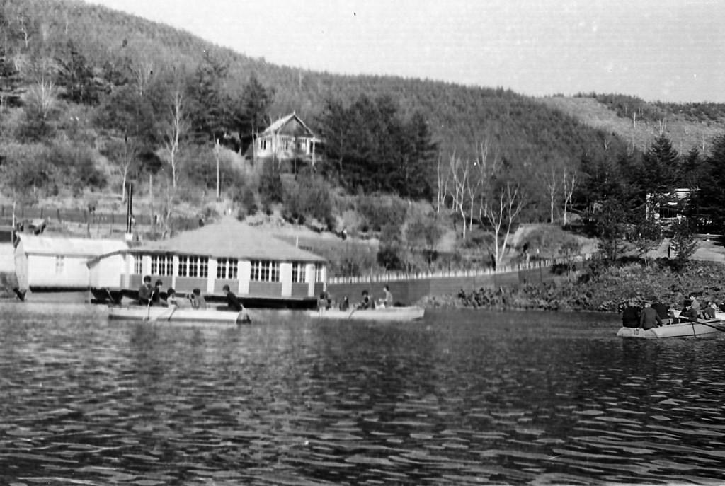 Ресторан 'Поплавок' на турбазе 'Озеро Верхнее' г. Чехов