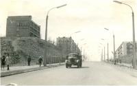 Улица Победы, наверху слева дом отдыха моряков 'Чайка' г. Холмск