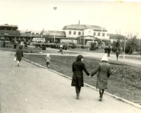 Привокзальная площадь и вокзал в г. Южно-Сахалиннск