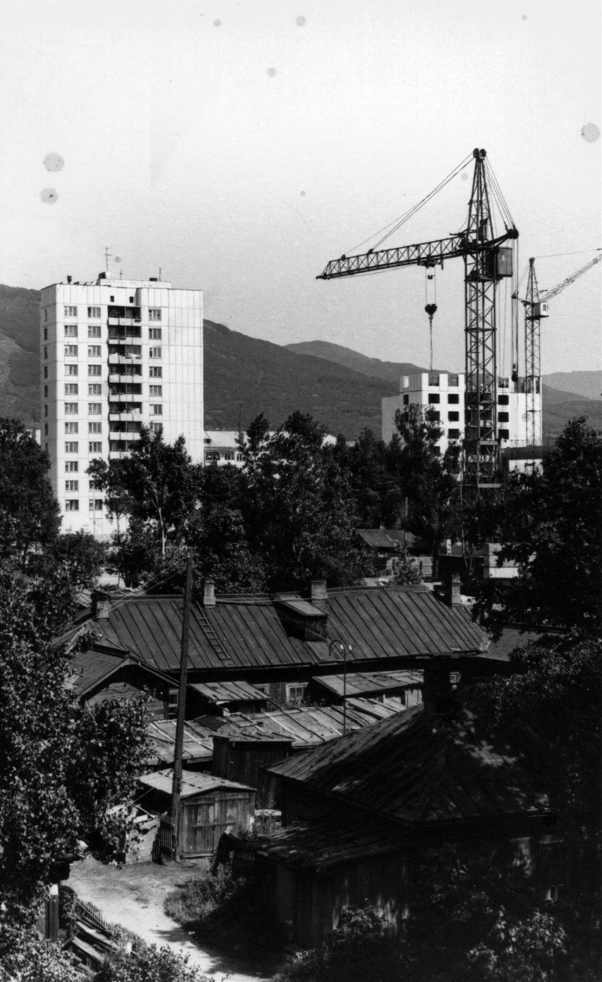 Строительство двух высотных жилых домов по проспекту Мира, в г. Южно-Сахалинске