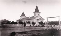 Анивская церковь в честь Святителя Николая Чудотворца (построена в 1870 году, сгорела в 1905 году при осаде поста японцами) в посту Корсаковском