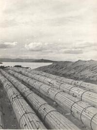 Строительство газопровода Сахалин-Материк, на мысе Погиби.