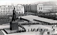 Возложение цветок к памятнику В.И. Ленина