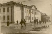 Возле мореходного училища в г. Невельске