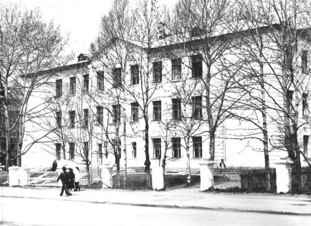 Вид на школу №16 г. Южно-Сахалинск